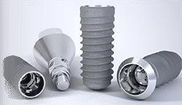 インプラントは主に3つの部品で構成されます。